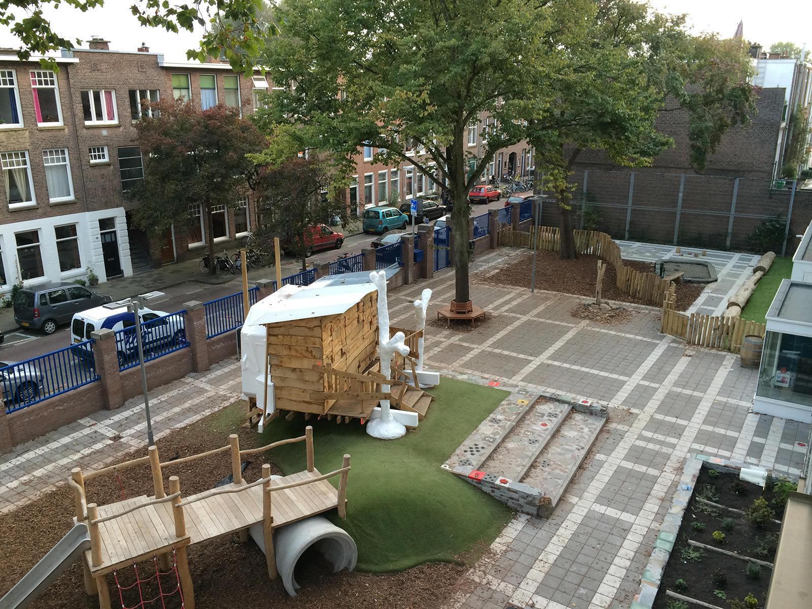 Schoolplein Openbare Montessori Valkenbos, Den Haag